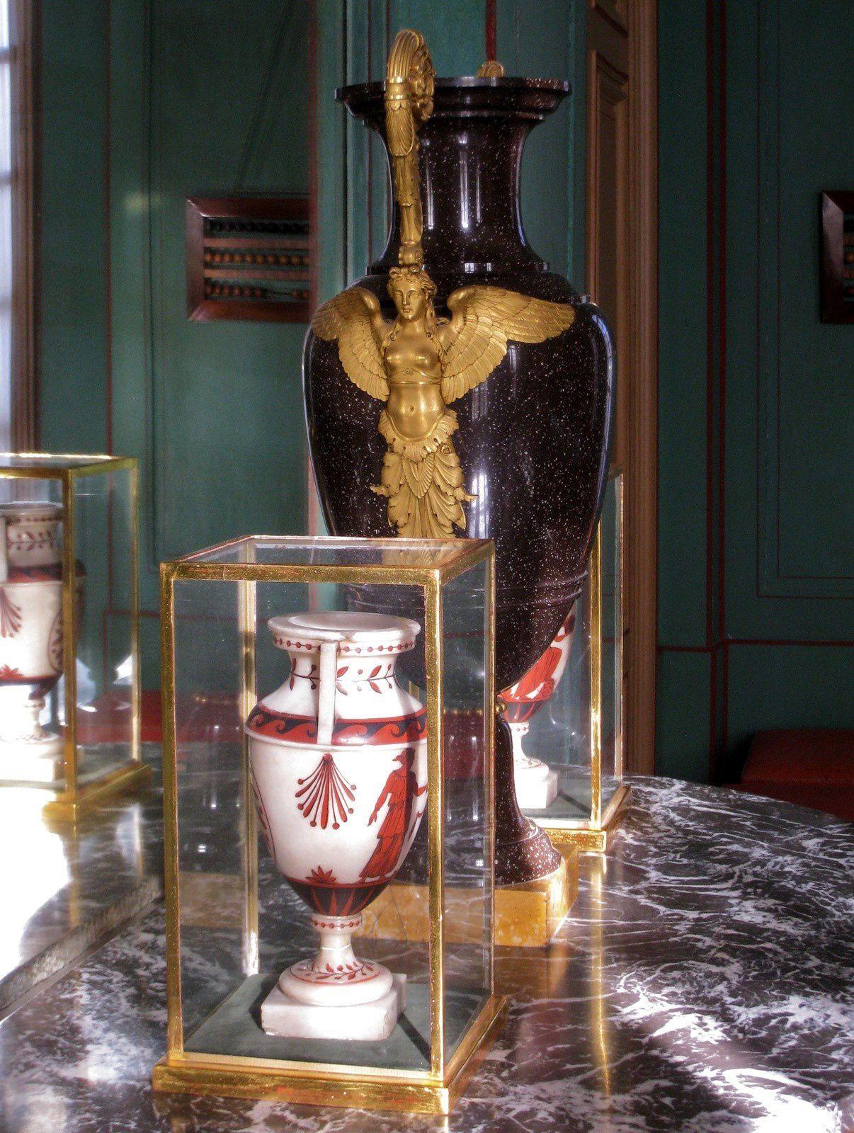 Vases en albâtre