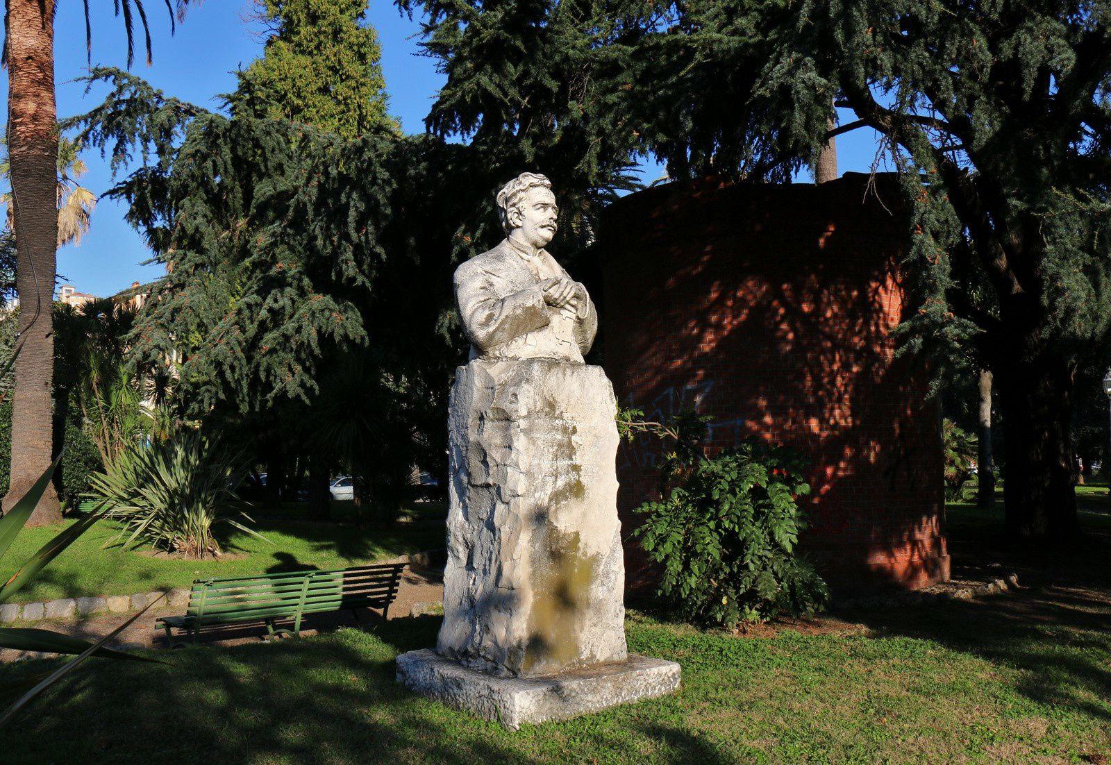 Monument à Ceccardo Roccatagliata Ceccardi