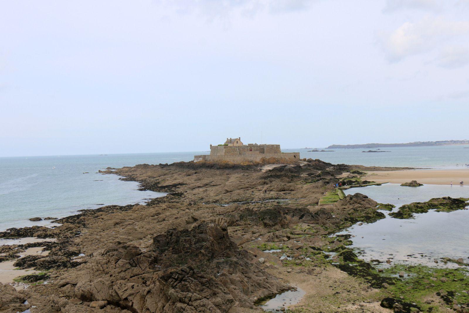 Le fort La Reine, Saint-Malo