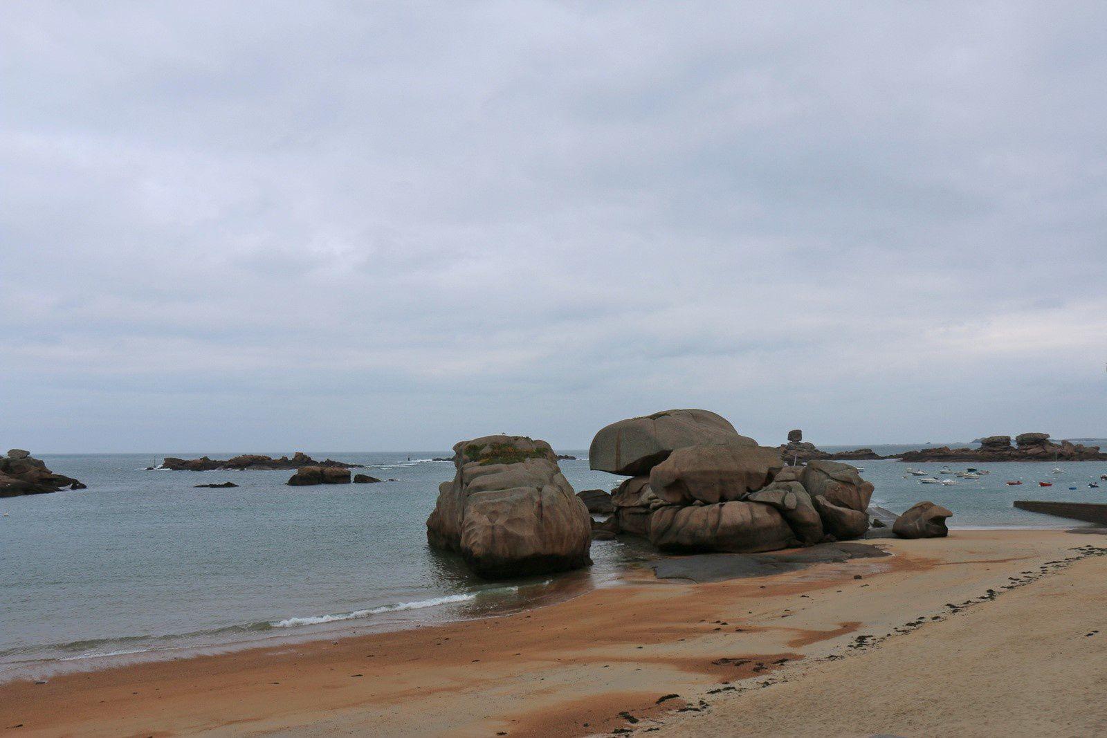 Trégastel, l'île ronde (plage de Coz Pors)