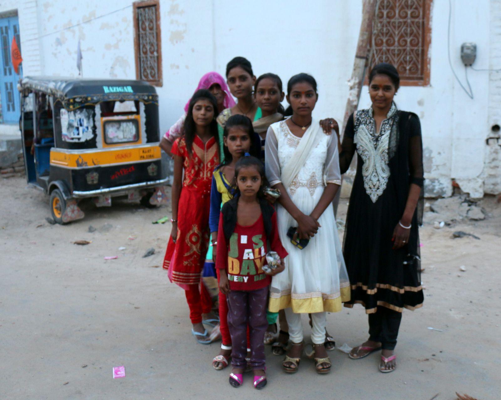 Les marchands du temple de Karni Mata, Deshnoke (Inde)