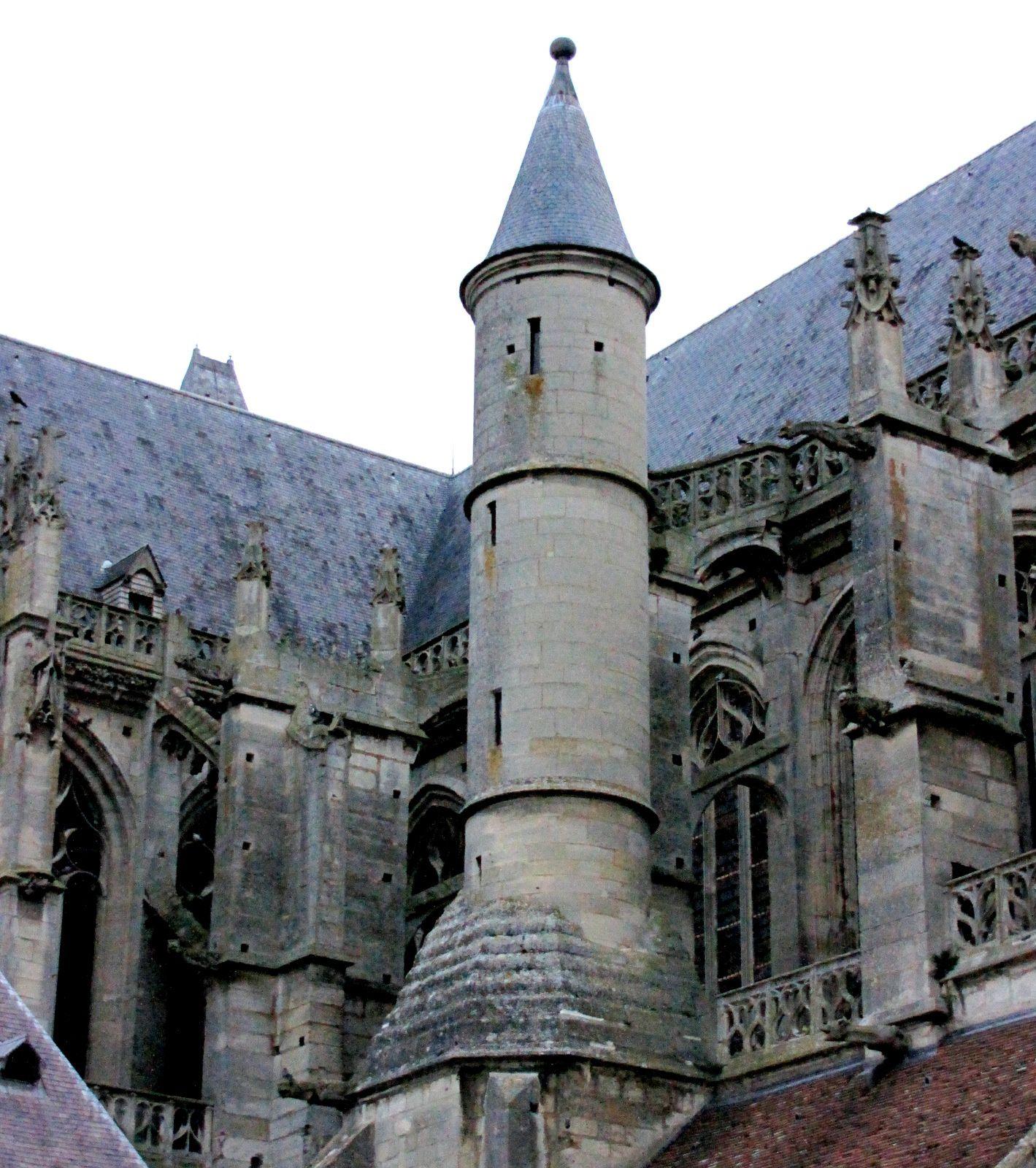 La cathédrale de Senlis, le Portail nord et le Chevet