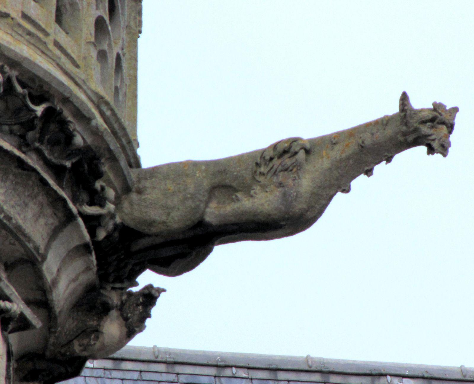 Gargouilles et statues de la cathédrale de Senlis