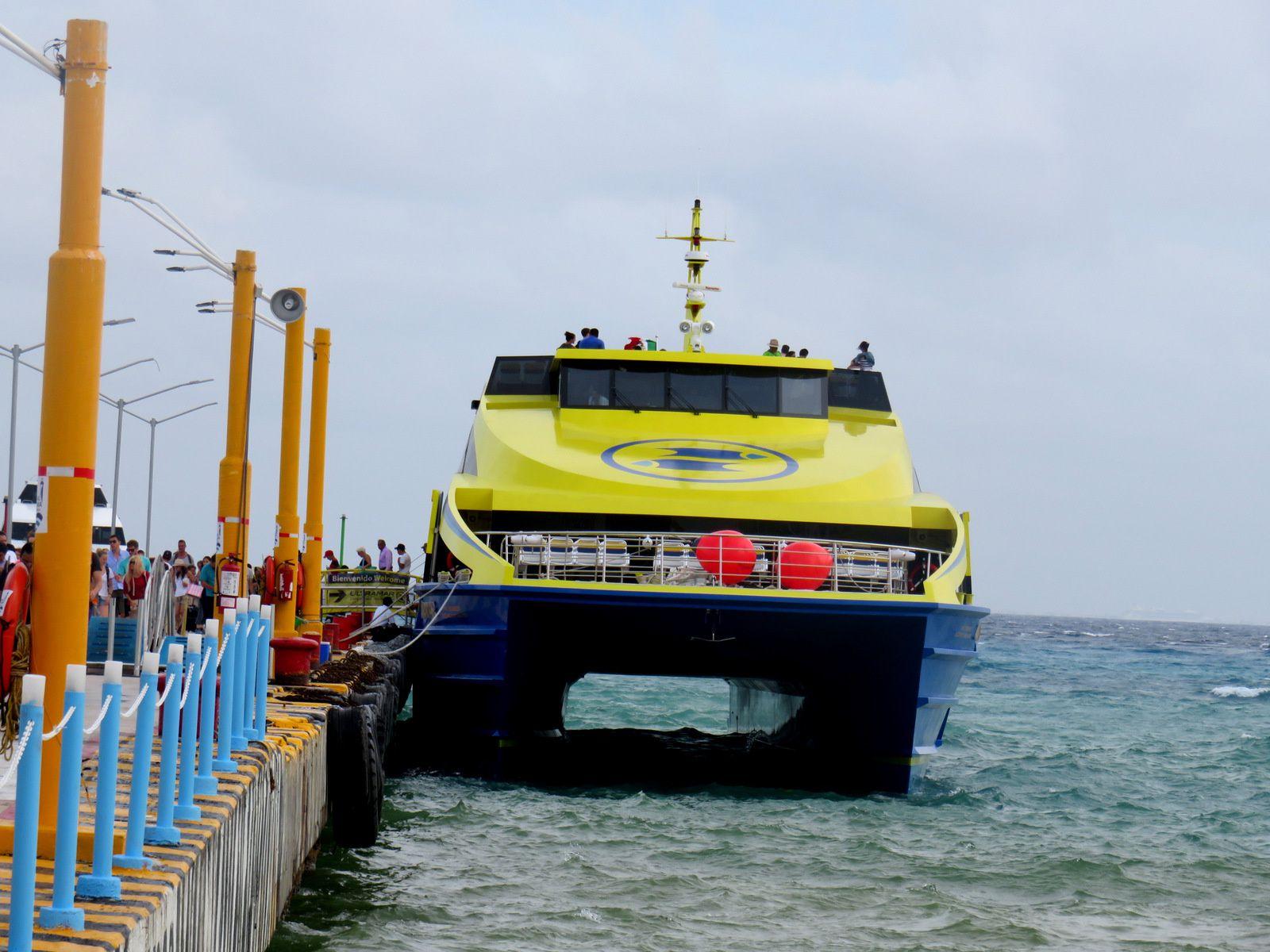 Terminal de ferrys à Playa del Carmen (Mexique)