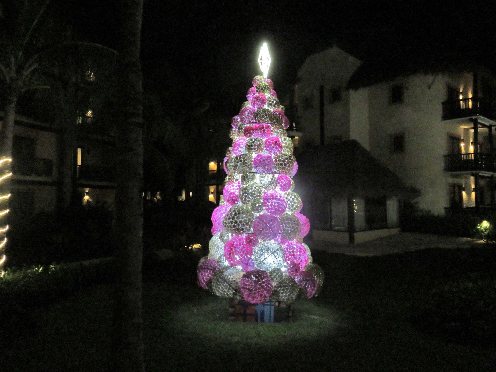 Arbre de Noël de l'hôtel Catalonia Riviera Playa, Mexique