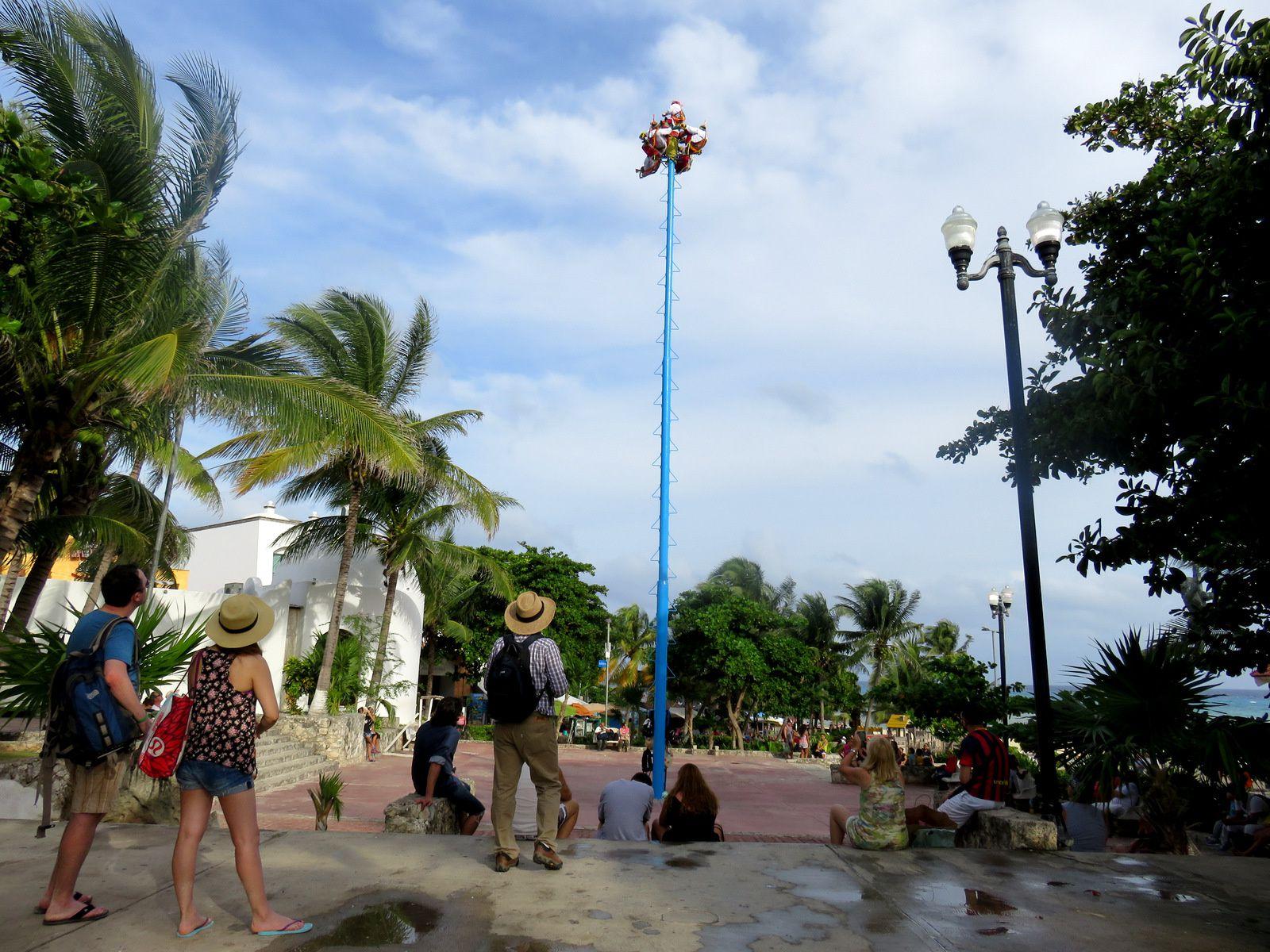 Acrobates à Playa del Carmen