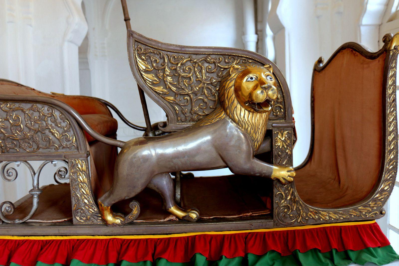 Sièges d'éléphant (howdah), musée de Mehrangarh (Jodhpur, Inde)