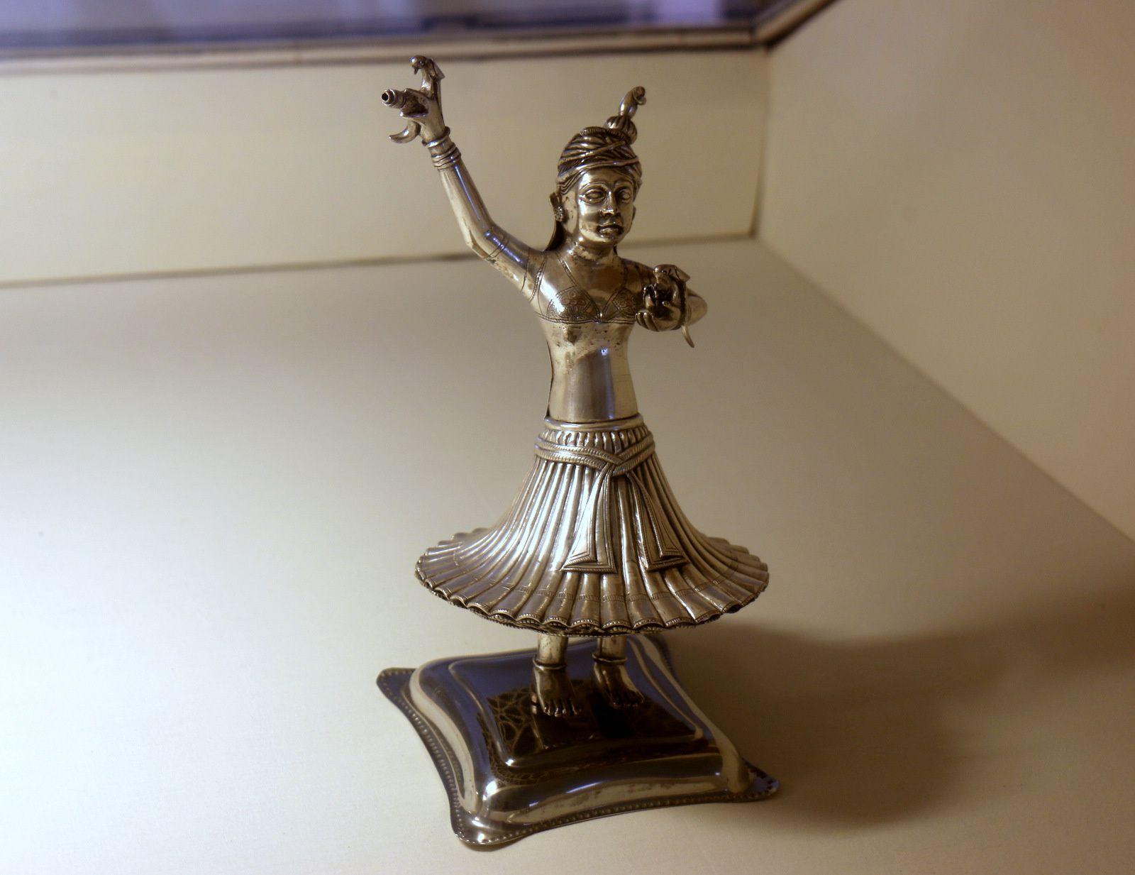 Musée de Mehrangarh (Jodhpur, Inde), statuettes et narguilé