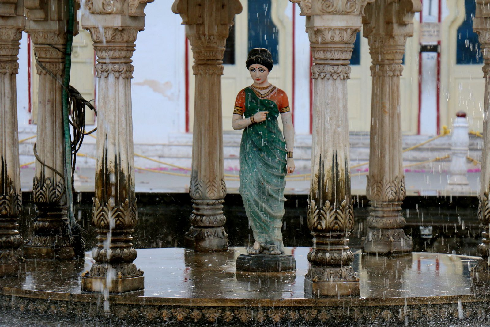 """Les bassins du jardin """"Sahelion Ki Bari"""", Udaipur, Inde"""