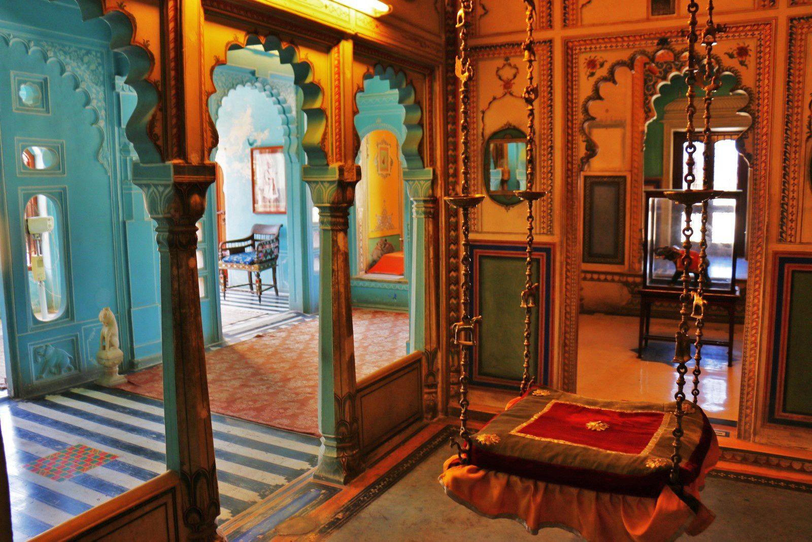 Balancelle et siège de maharana, City Palace Museum (Udaipur, Inde)