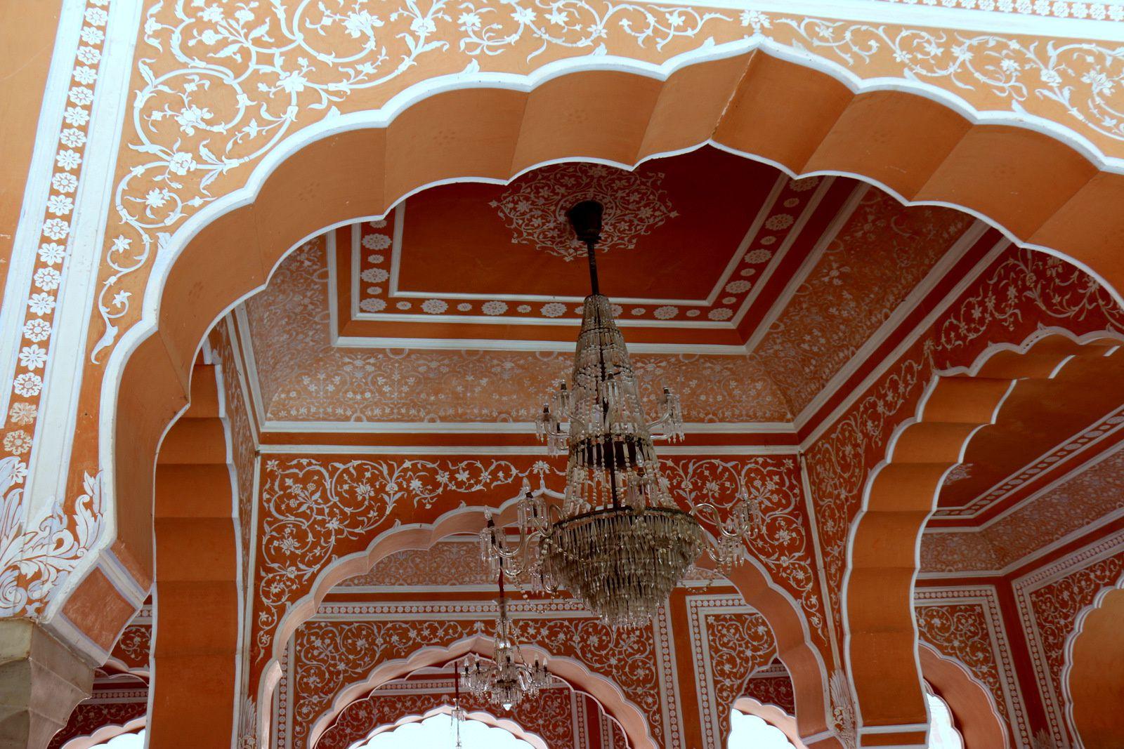 City Palace de Jaipur,  le Diwan-i-Khas (salle des audiences) et ses  Gangajelies (jarres)