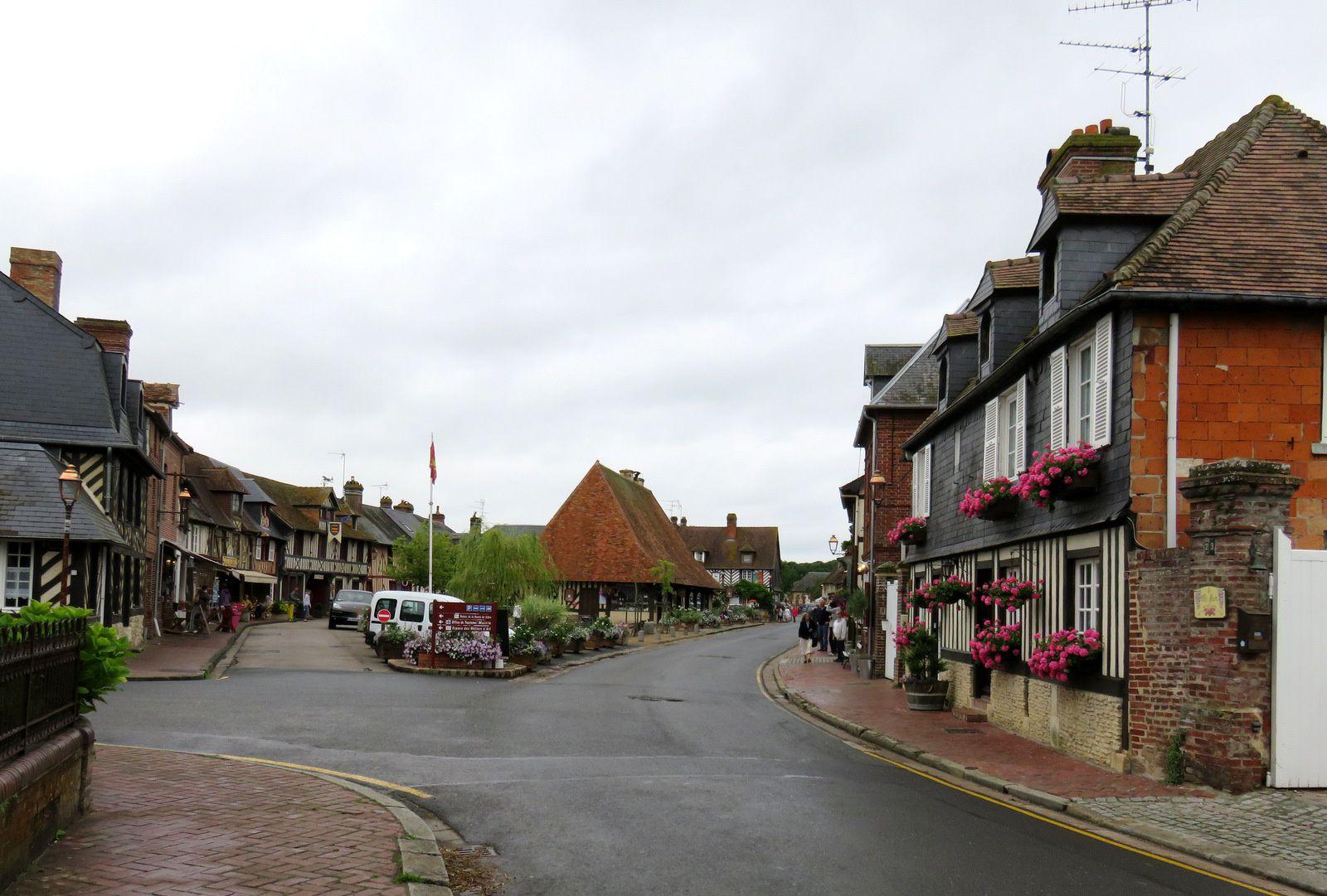 Beuvron-en-Auge, le centre du village