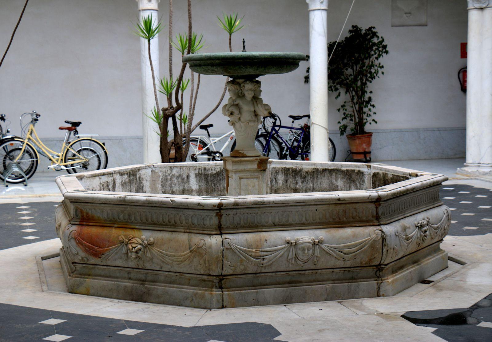 Palais et buste de Don Miguel Manara, Séville