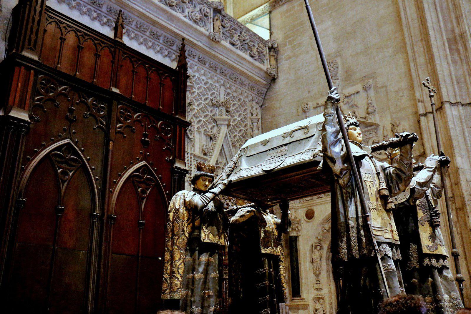La cathédrale de Séville, mausolée de Christophe Colomb