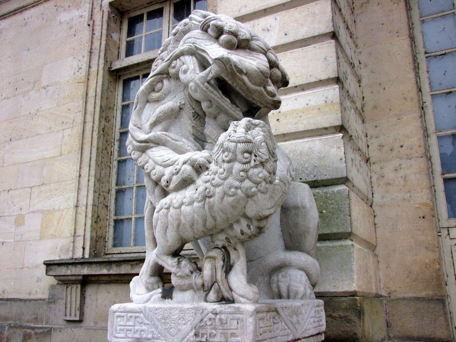 Les grands chiens de Fô, château de Fontainebleau