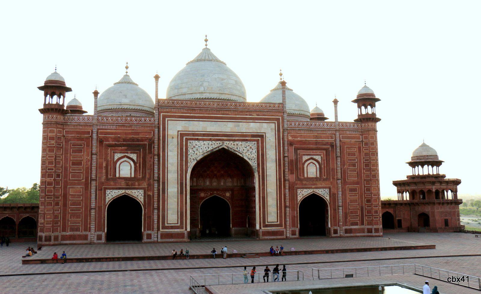 La mosquée de l'enceinte du Taj Mahal, Agra (Uttar Pradesh, Inde)