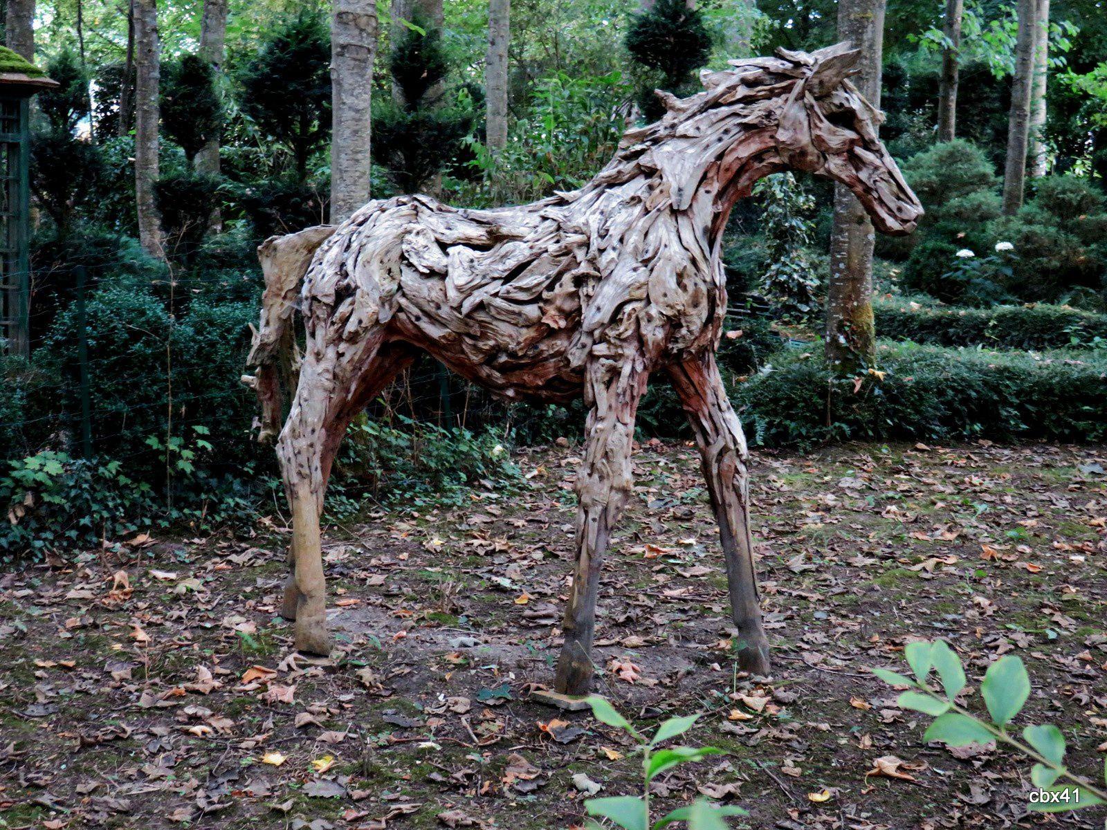 Château de Vendeuvre, le cheval du jardin exotique
