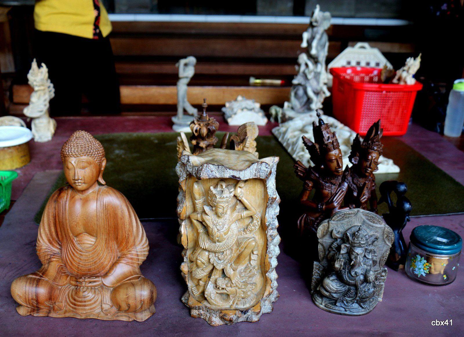 Sculptures au village de Mas, 2/4 (Bali, Indonésie)