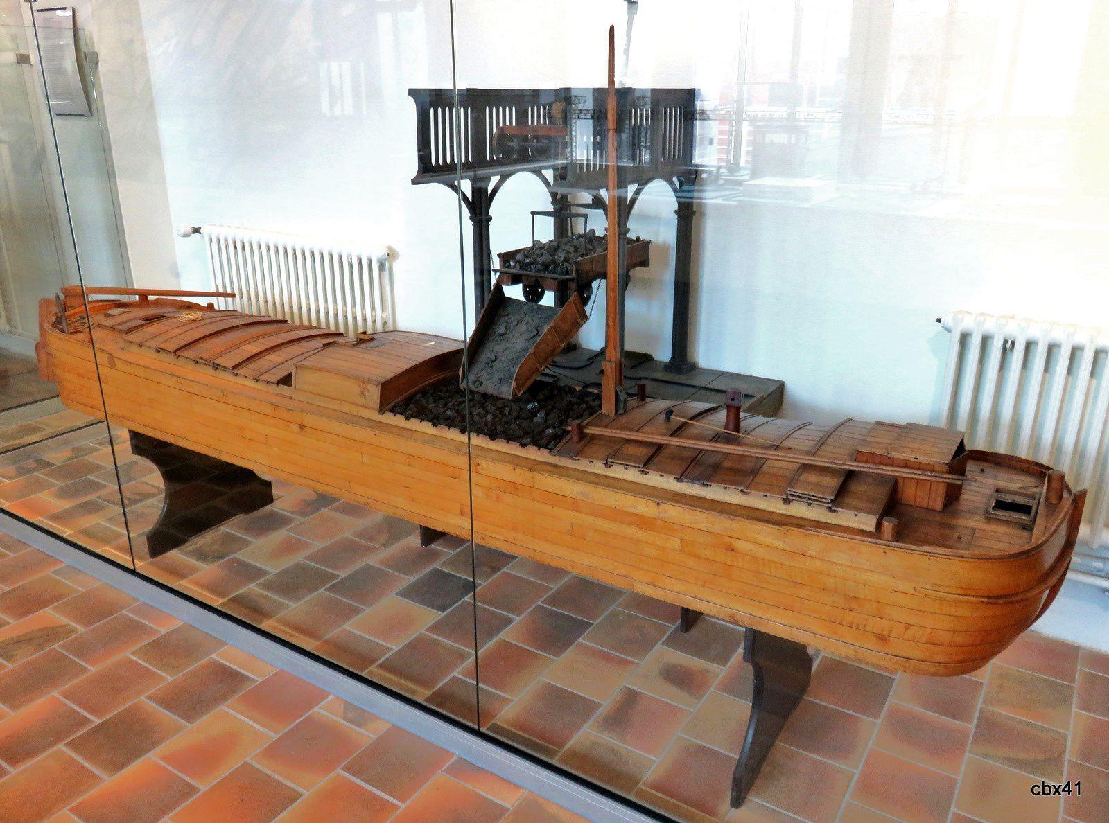 Musée de la Batellerie, écluse de Janville (Oise) et déchargeur mécanique