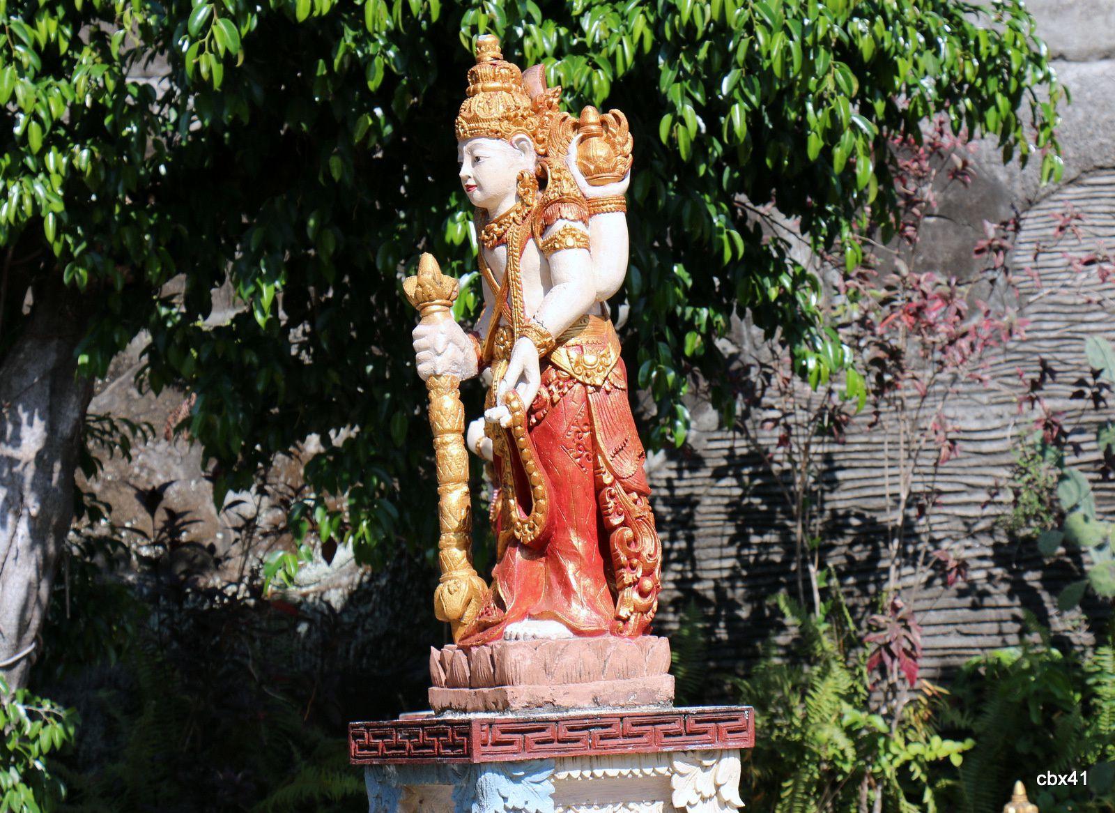 Monastère Brahma Vihara Arama (Bali), Stupa