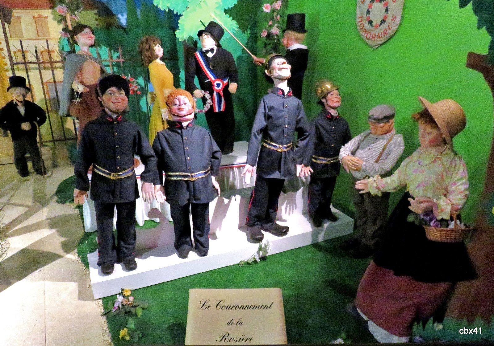 Musée des automates (Falaise), le couronnement de la Rosière