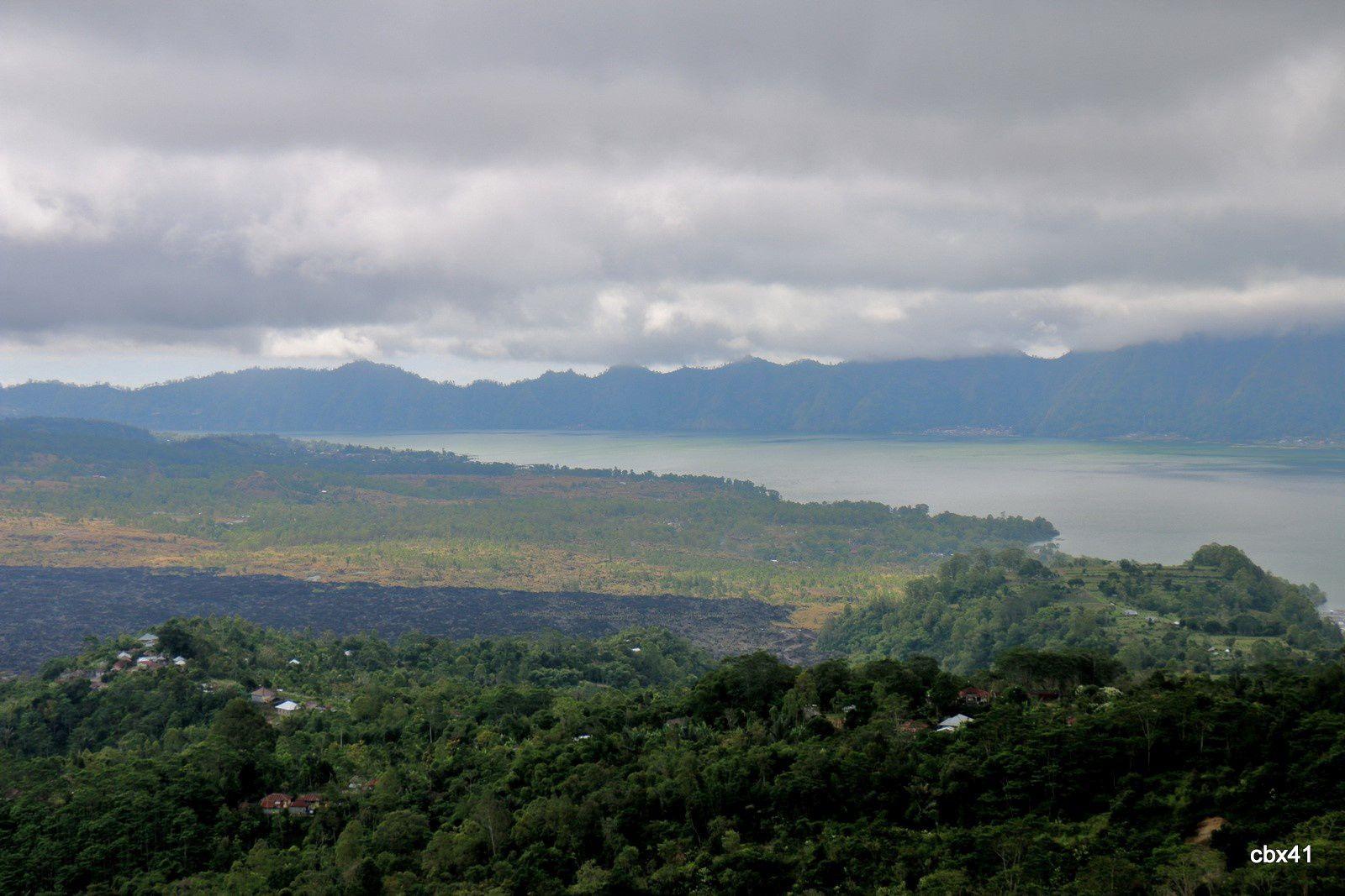 Mont et lac Batur
