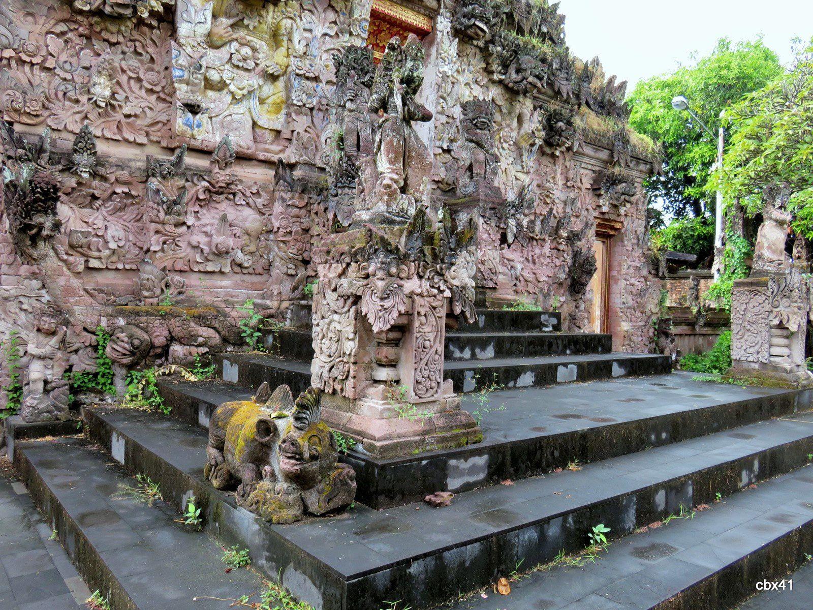 Le temple Pura Beji, la première porte (Bali, Indonésie)
