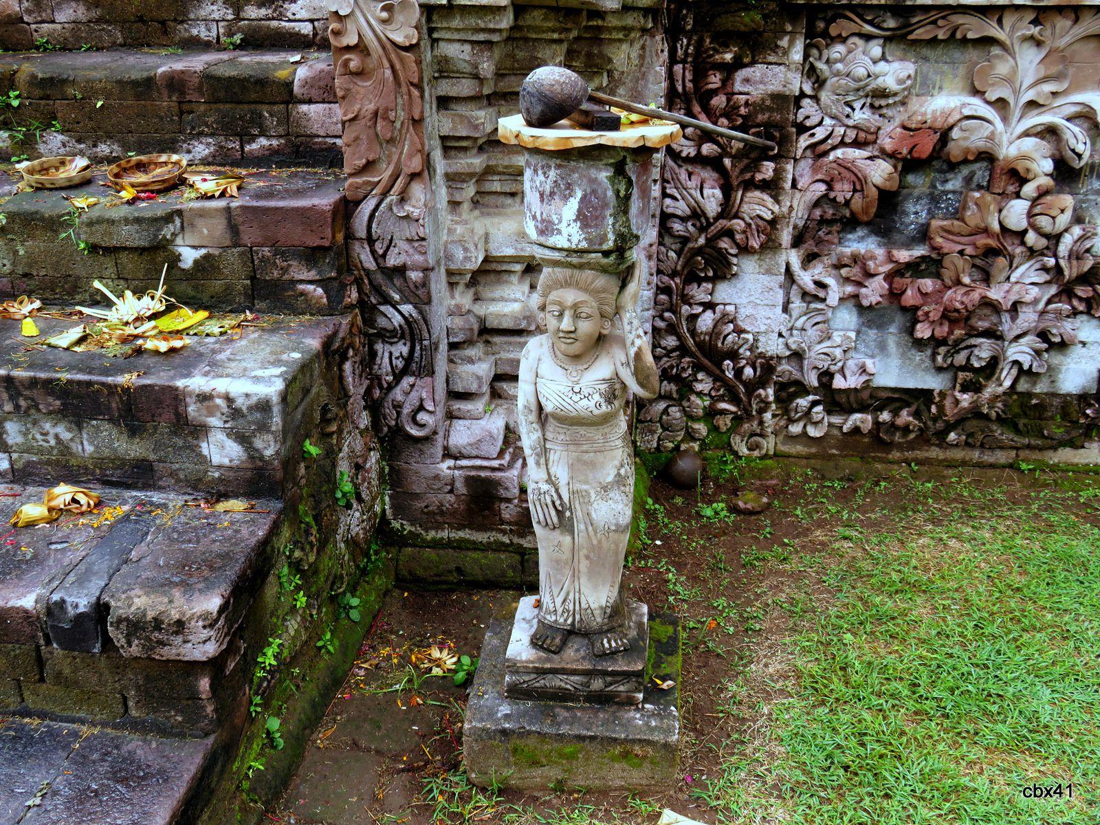 Temple Pura Beji, dieux et démons (Bali, Indonésie)