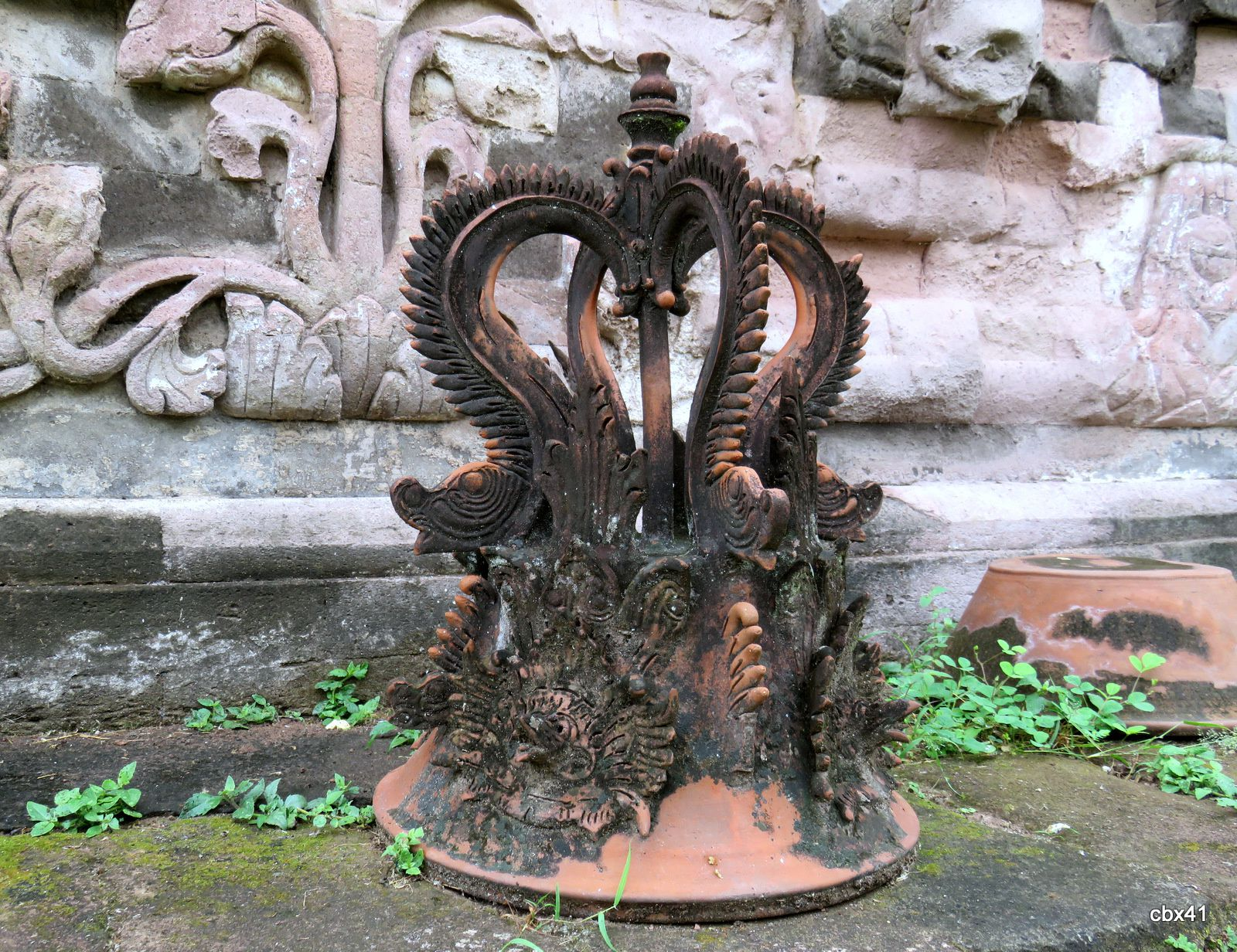 Temple Pura Beji, bananiers et fleurs (Bali, Indonésie)