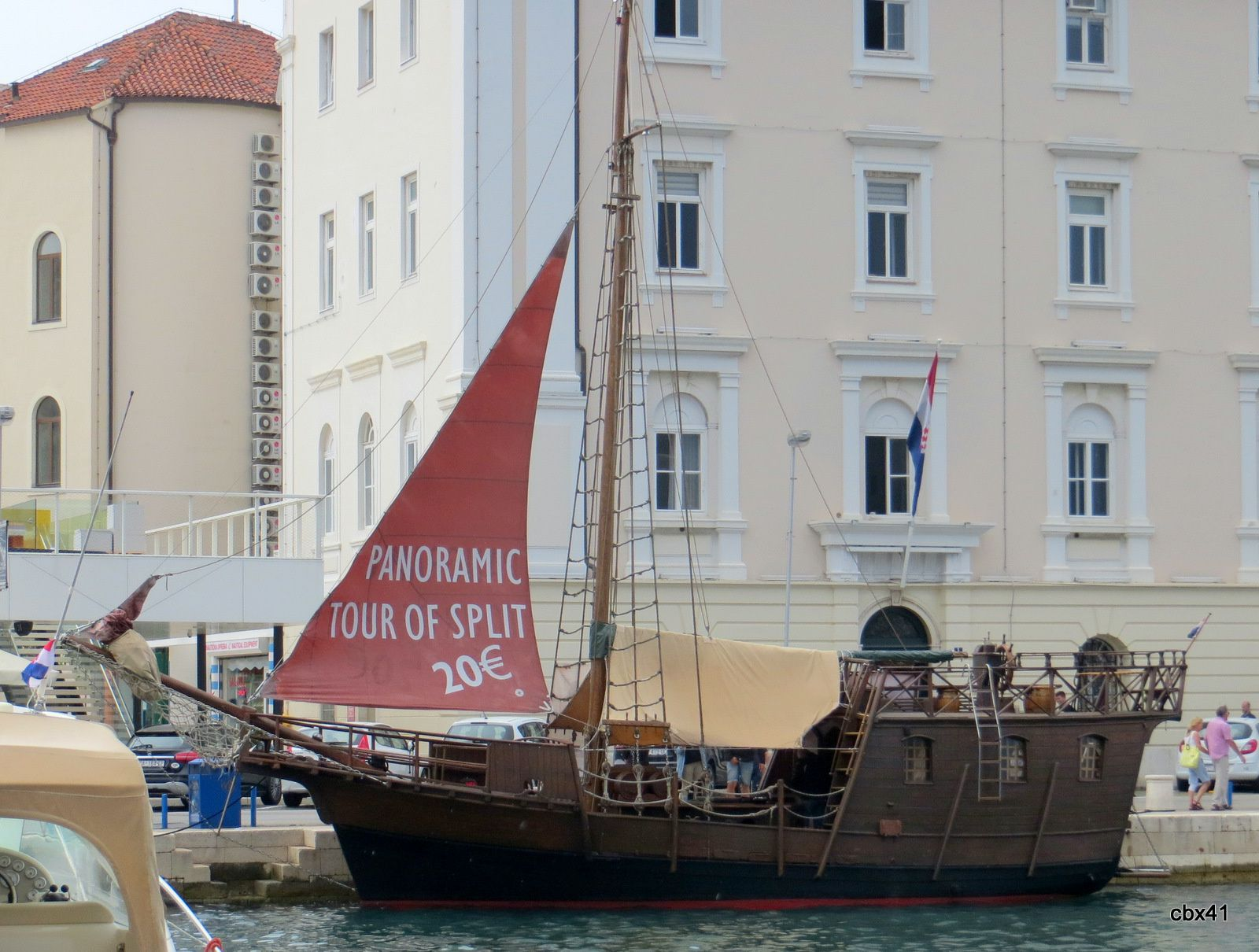 "Bateau pirate et semi sous-marin ""Marijeta"" à Split (Croatie)"
