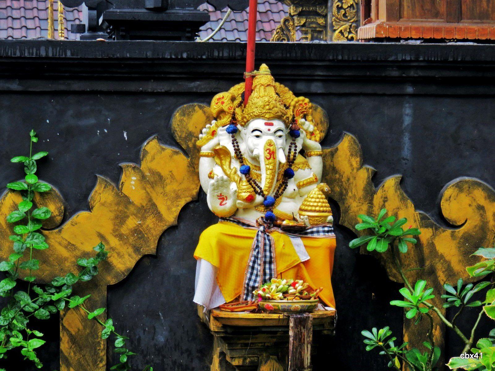 Mini-temple à Ganesh dans les rizières à Bali