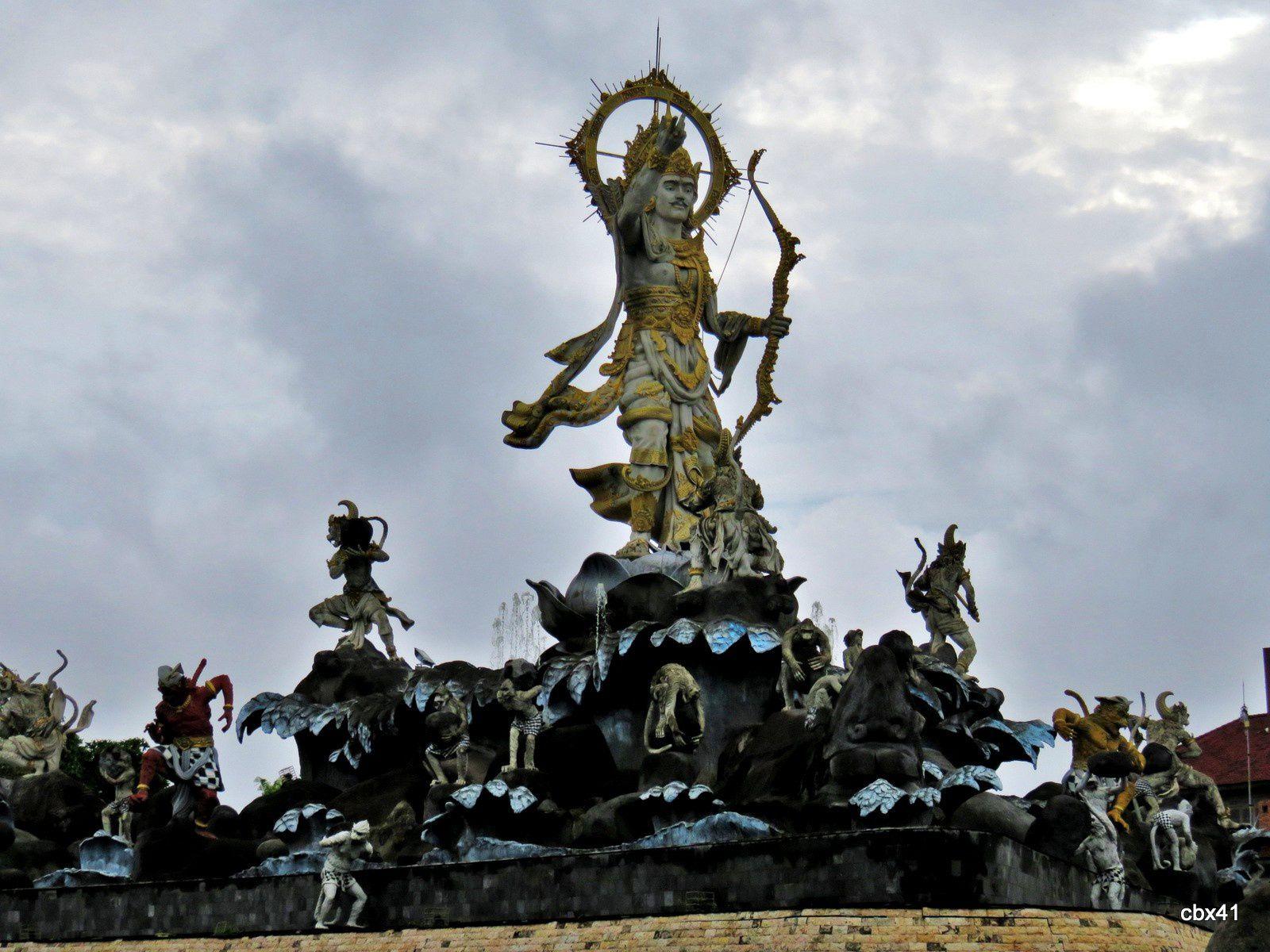 Statue de Titi Banda, Denpasar (Bali)