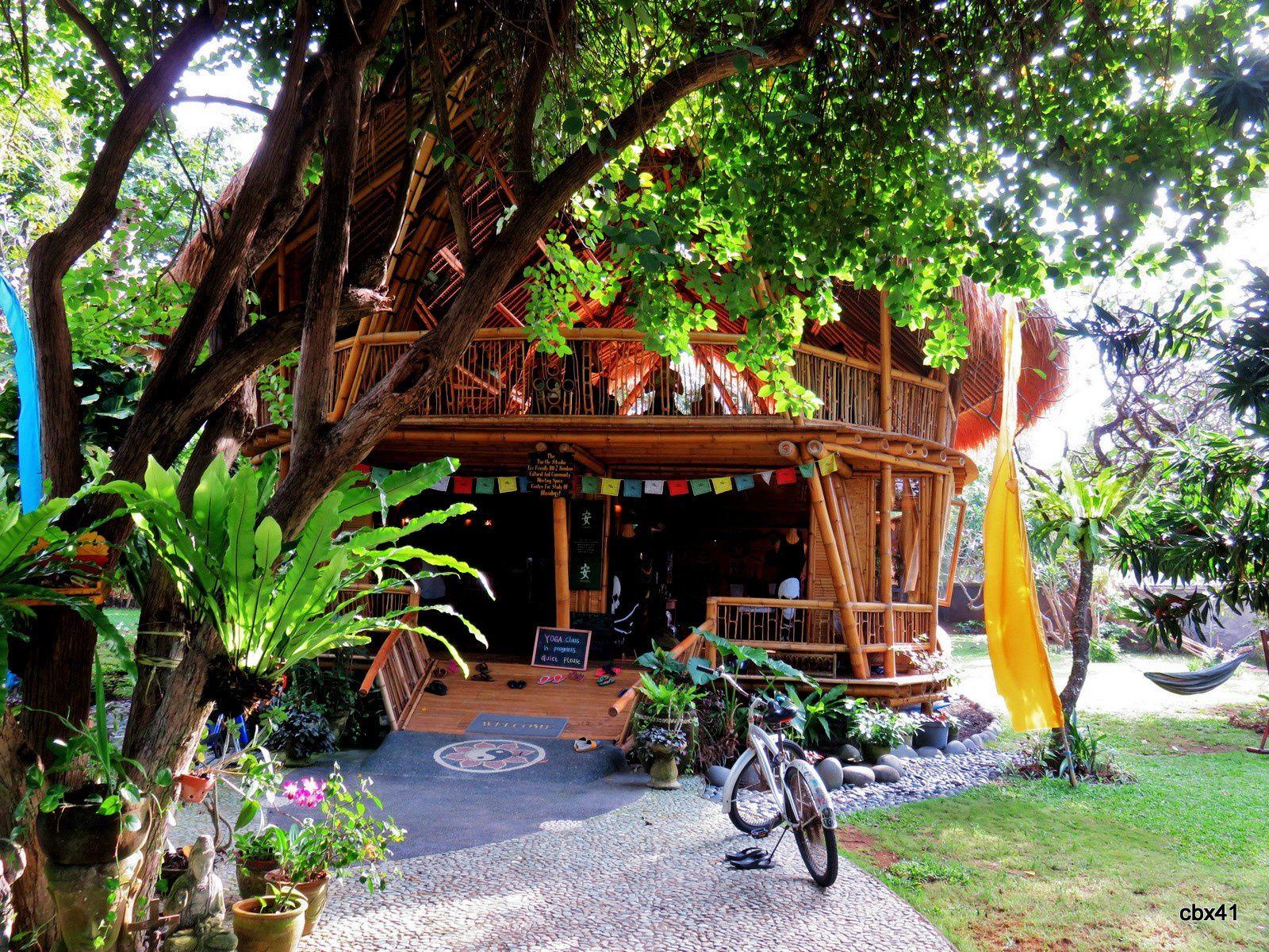 Cours de Yoga, plage de Sanur, Denpasar (Bali)