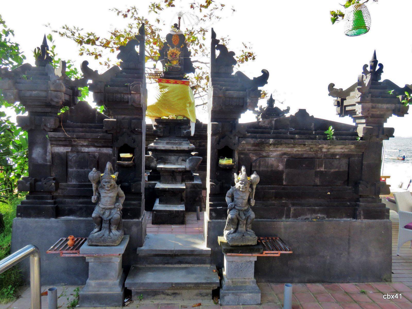 Sanctuaires, plage de Sanur, Denpasar (Bali)