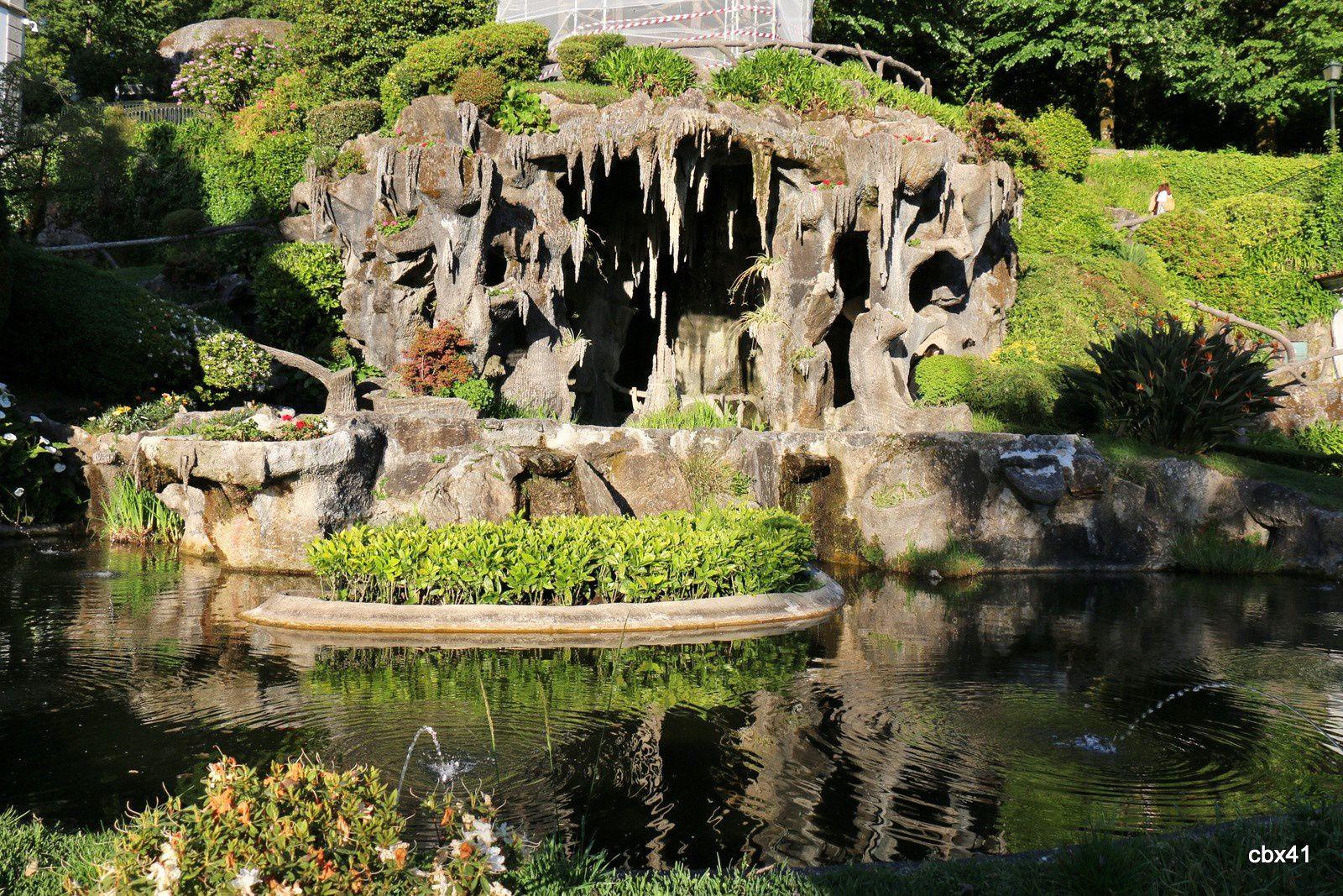 Grotte et funiculaire, parc du Bon Jésus de Braga, Portugal