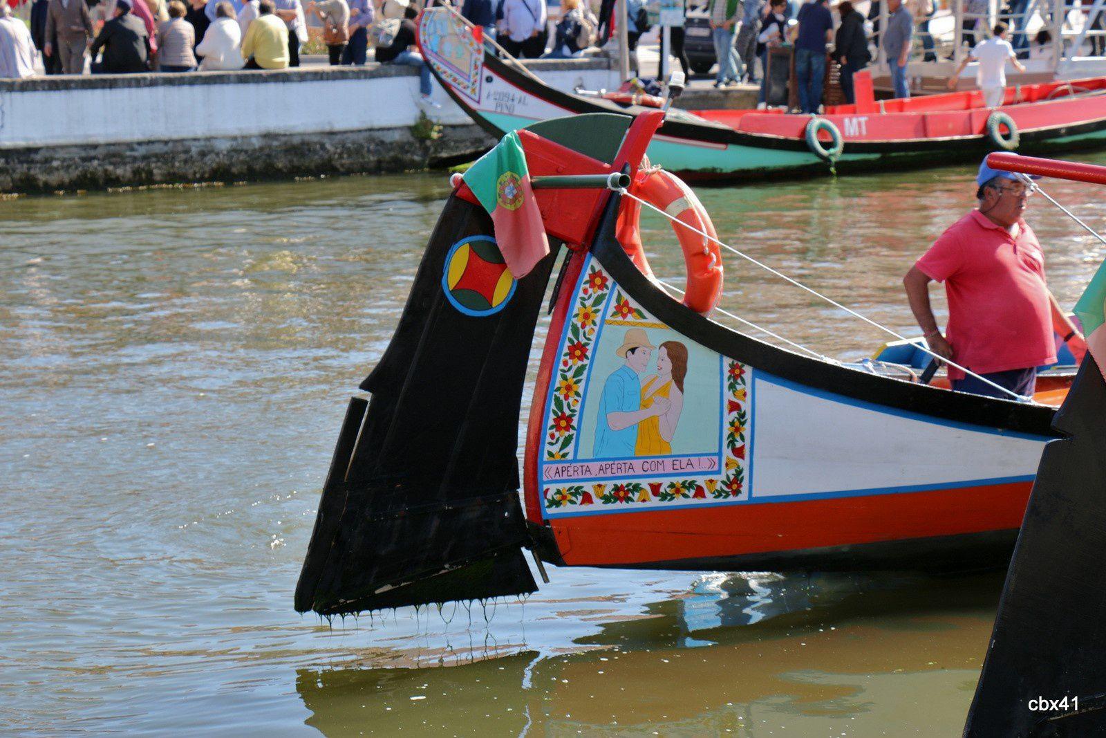 Les Moliceiros aux allures de gondole, Aveiro (Portugal)