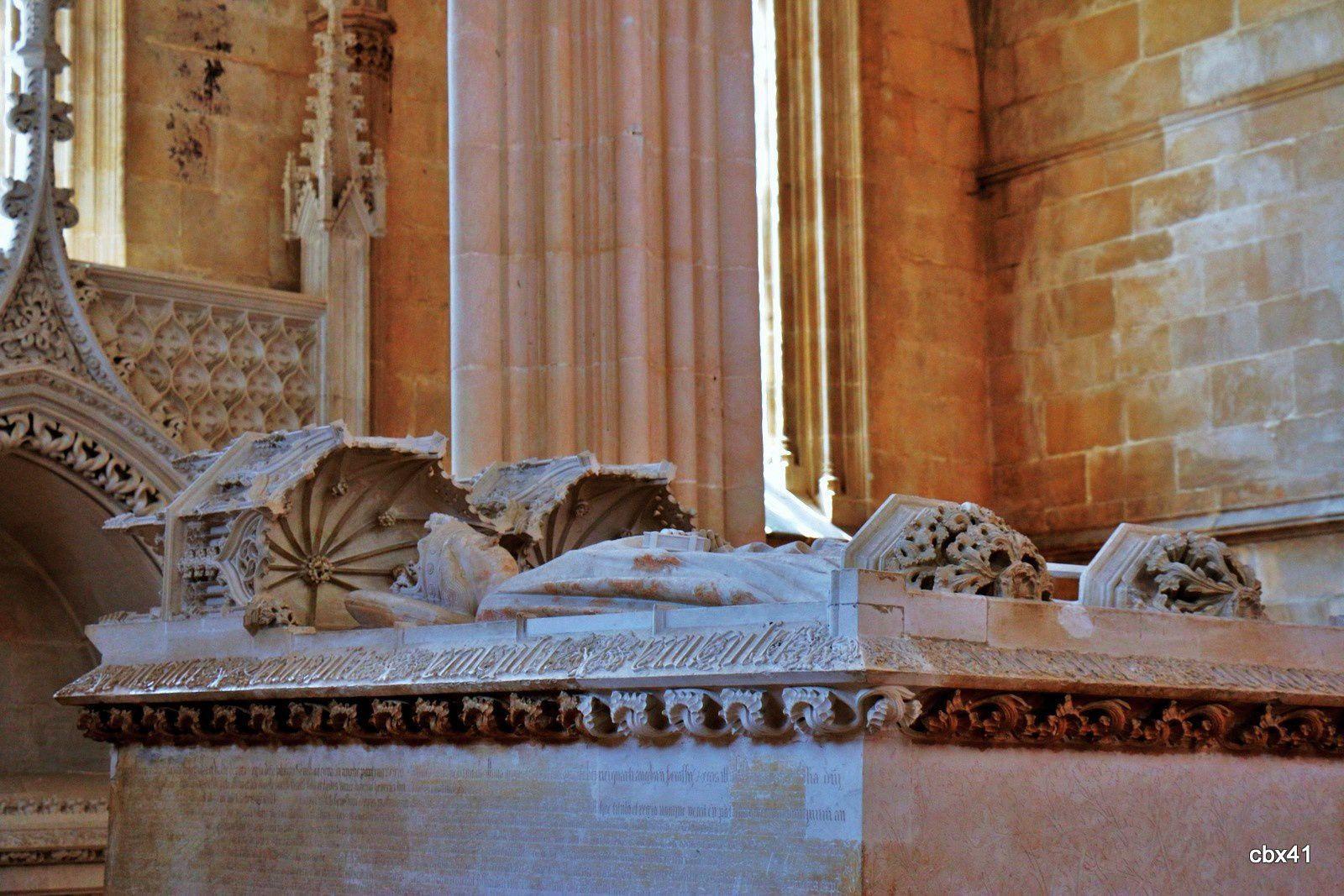 Tombeaux du roi Jean 1er et de son épouse Felipa de Lancaster , monastère de Batalha (Portugal)