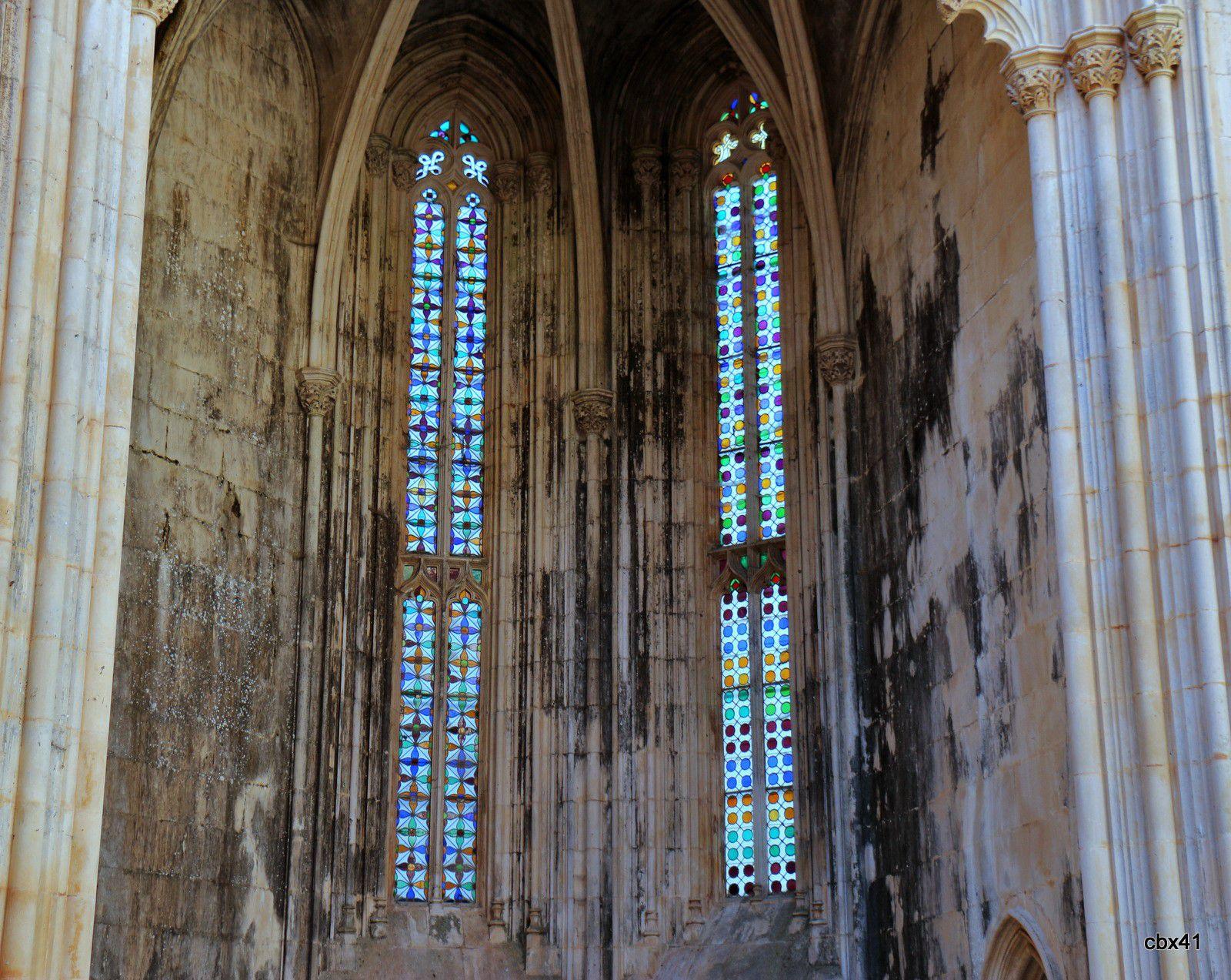 Monastère de Batalha (Portugal), l'architecture des chapelles inachevées