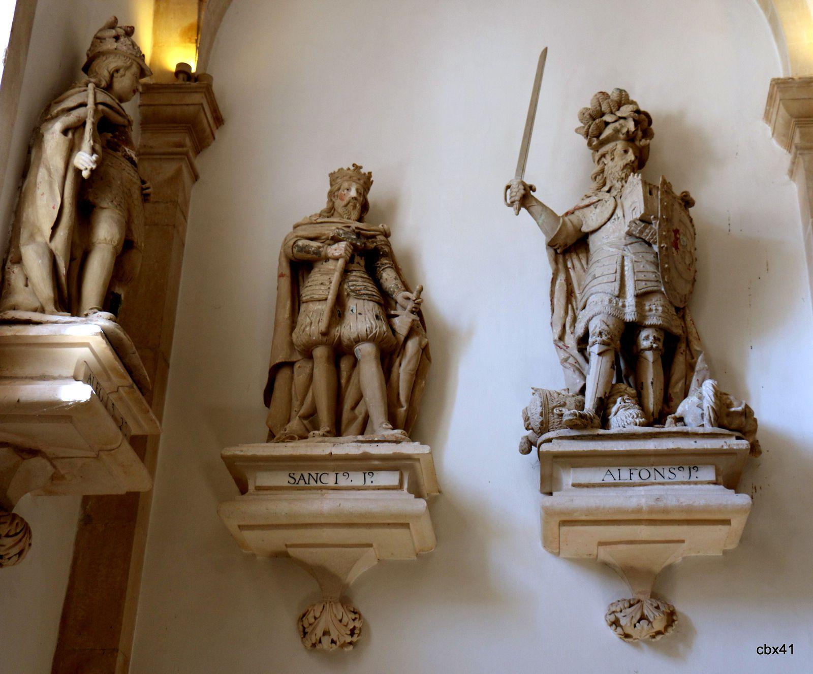 La Salle des Rois du monastère d'Alcobaça, Portugal (3/4)