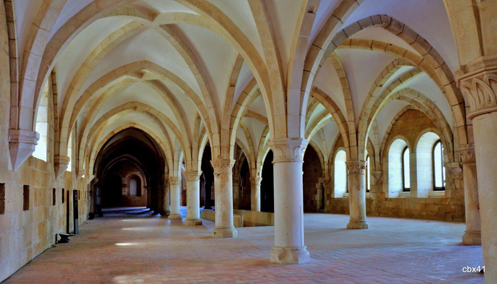 Le Dortoir, monastère d'Alcobaça (Portugal)
