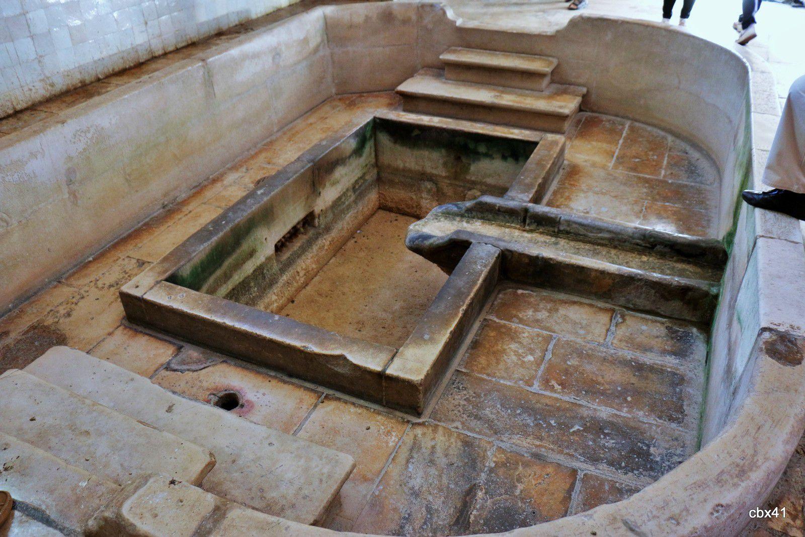 Robinets/mascarons de la cuisine du monastère d'Alcobaça (Portugal)