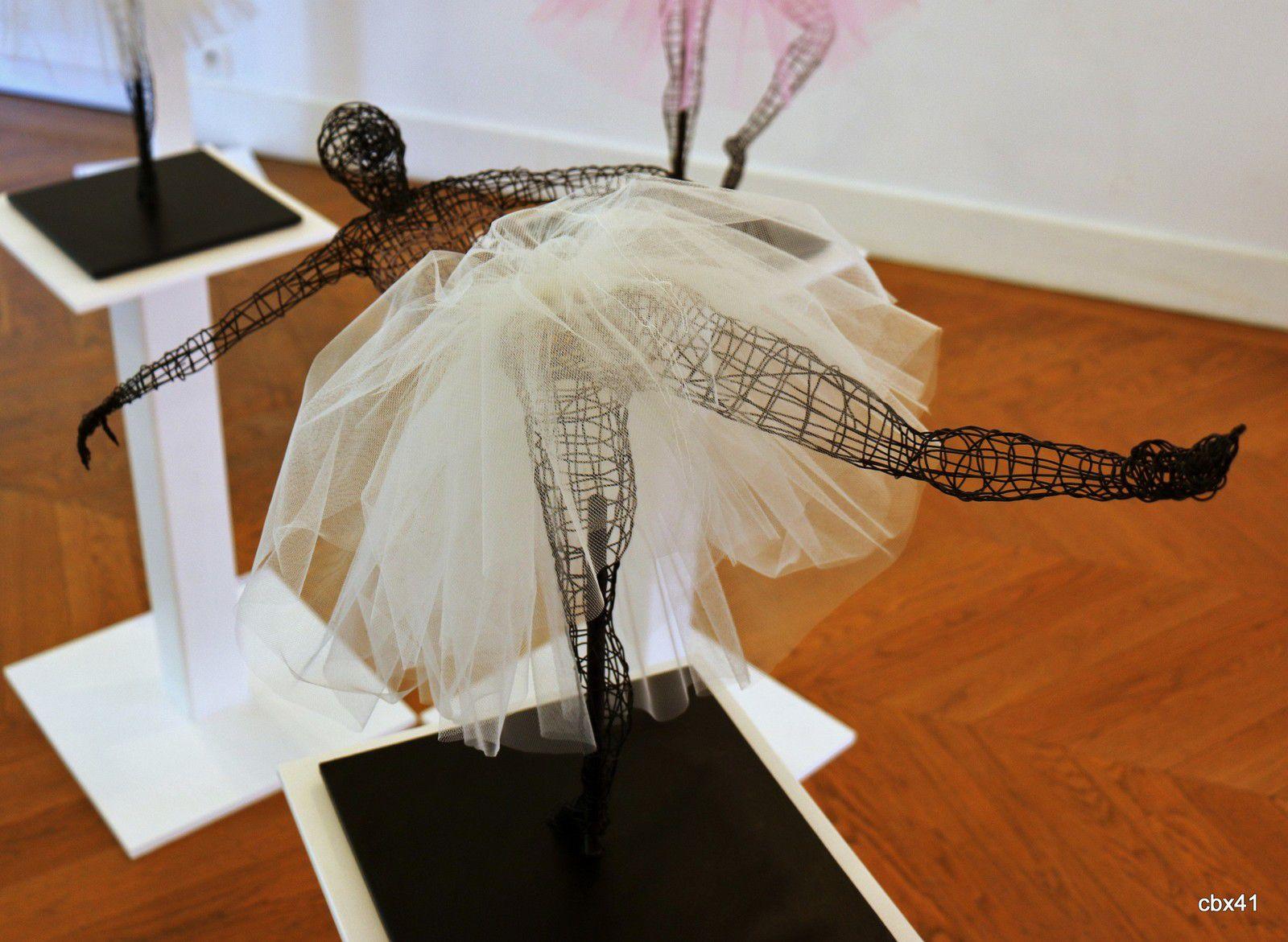 Corinne Halimi Di Domessini, Danseuses en tutu blanc