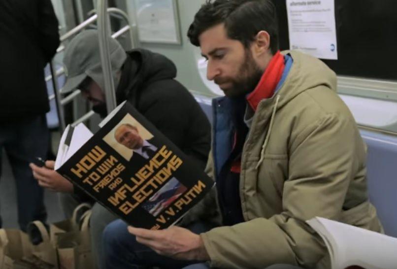 Fausses couvertures de livres dans le métro