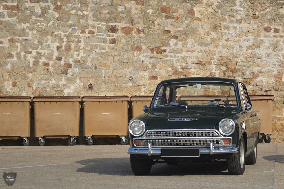 AB33 • Ford Cortina Mk1 GT berline '64
