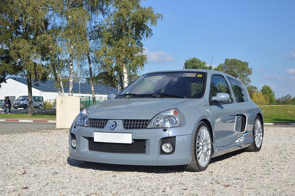AD71 • Renault Clio 2 V6 '03