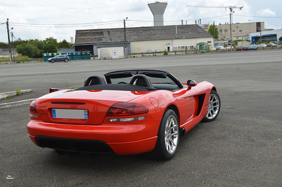 AD19 • Dodge Viper SRT-10 roadster '03