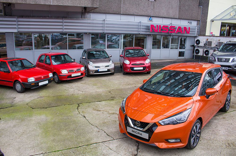 Les cinq générations de Nissan Micra. Source photo : nissaninsider.co.uk