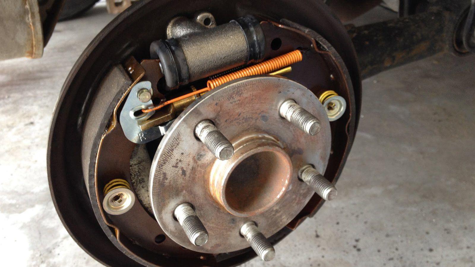 L'Automobile Expliquée #5 : Les freins à tambour