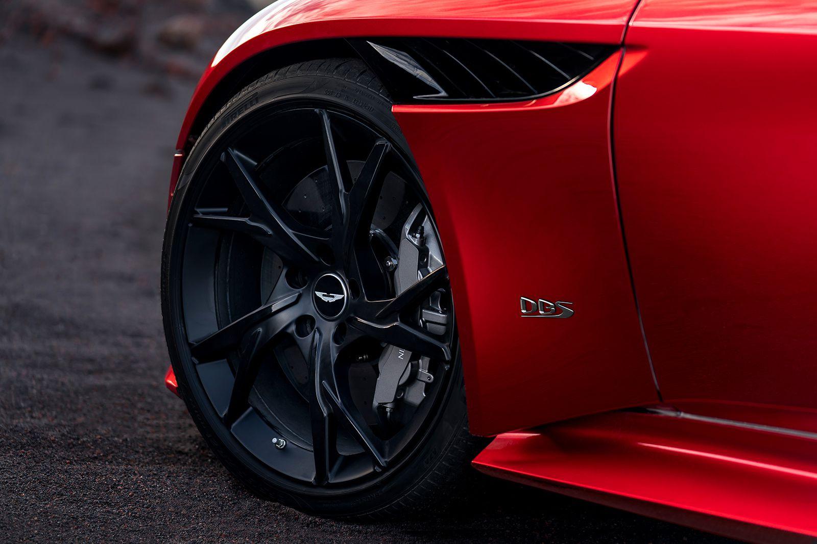 Aston Martin DBS Superleggera : adieu la Vanquish !