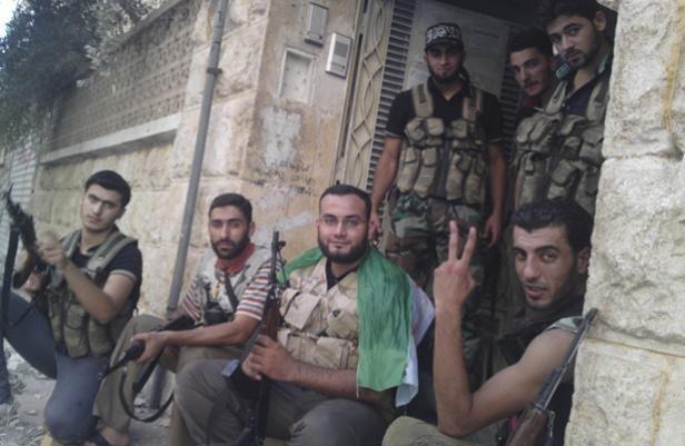 """En septembre 2012 à Alep, au temps du """"djihad autorisé"""", ces jeunes venus d'Europe souriaient à la une des journaux français. Photo DR"""
